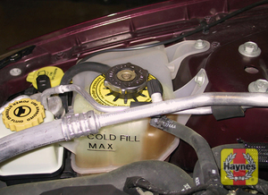 Illustration of step:  2 Maintain the coolant level near the upper line on the reservoir  - Engine coolant - step 18