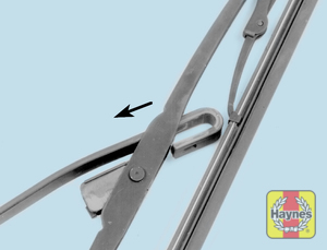 Illustration of step:  5b  - Front wiper blade replacement - step 7